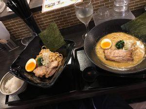 京都のカレーラーメン です。(笑)