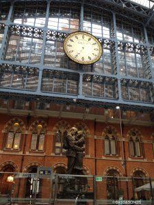 129d「ロンドンのセントパンクラス駅の天井」