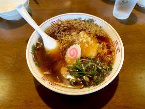 まず、昼食は横川にある「関所食堂」で、ニンニクラーメン!凄く美味しい!