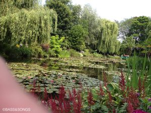『あ!この庭、絵で見たことある』と。家の前にはバラの庭が広がっていて、家の中には浮世絵が飾ってあったりして、モネは日本びいきなんだそうな