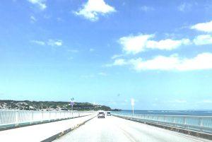沖縄に行った時、レンタカーで58号線を走る