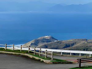 十三湖の内陸から海沿いかと思っていた道ドンドン山を登って峠越え。この道は素晴山!
