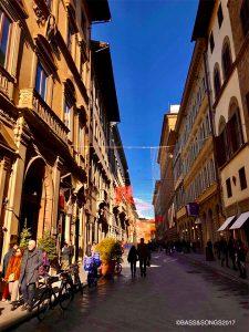 フィレンツェは、街全体が「静かにクリスマスを待つ気分」