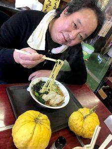 ラーメンどんぶりより大きな「獅子柚子(ししゆず)」